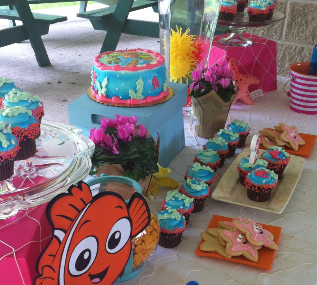 Nemo Cake Table