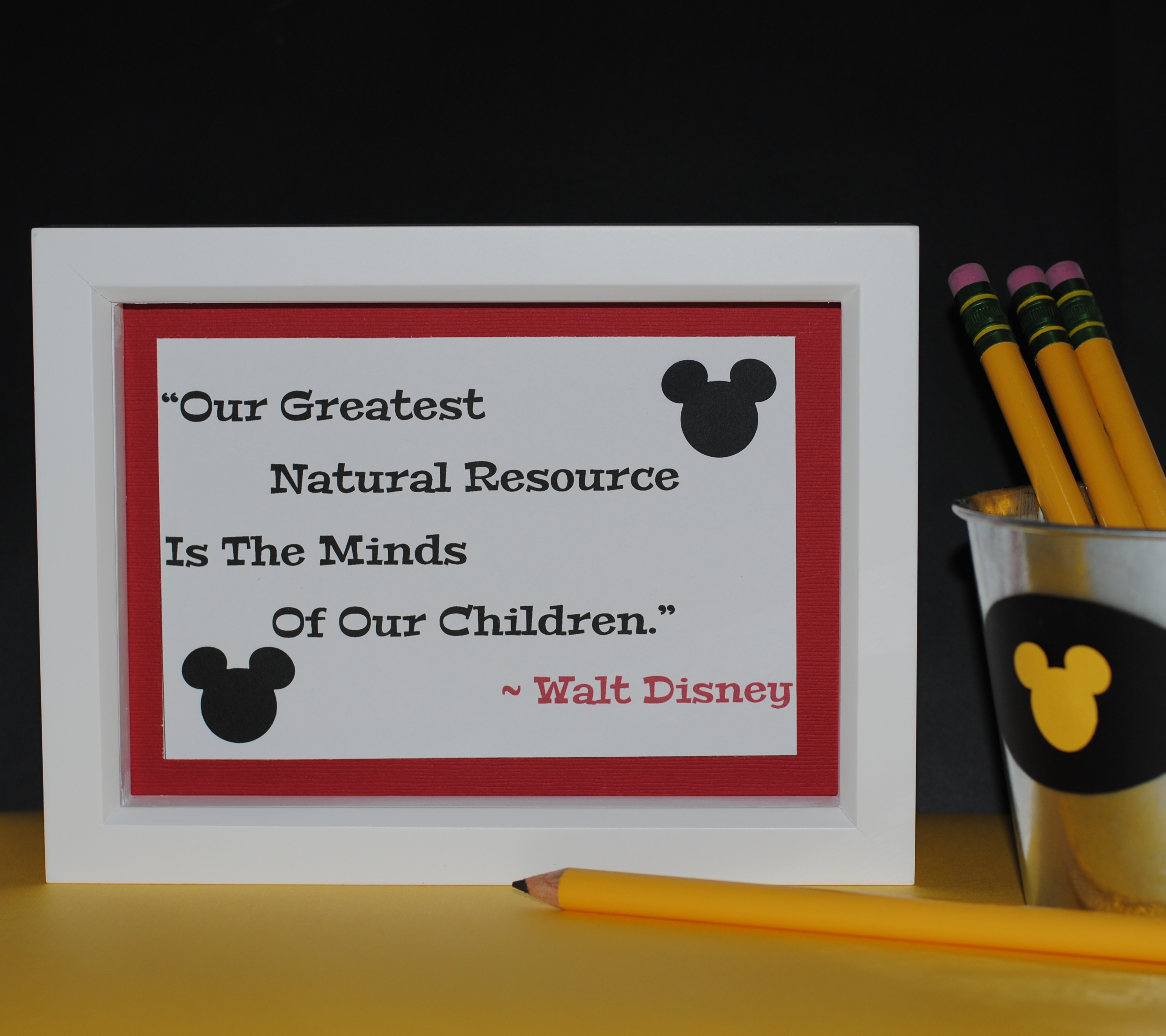 ... Mom's First Giveaway- Mickey Mouse Icon Craft Punch | Mouse Ears Mom: www.mouseearsmom.com/2013/08/17/mouse-ears-moms-first-giveaway...