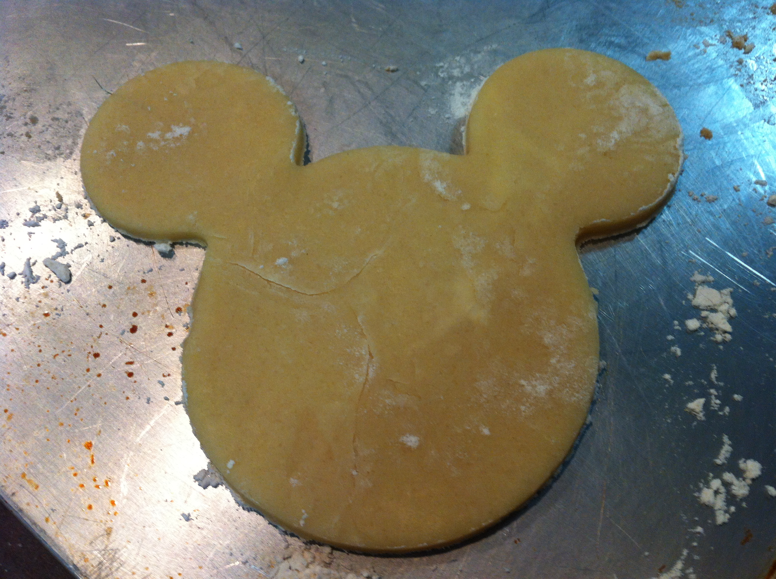 how to make mickey shaped cookies