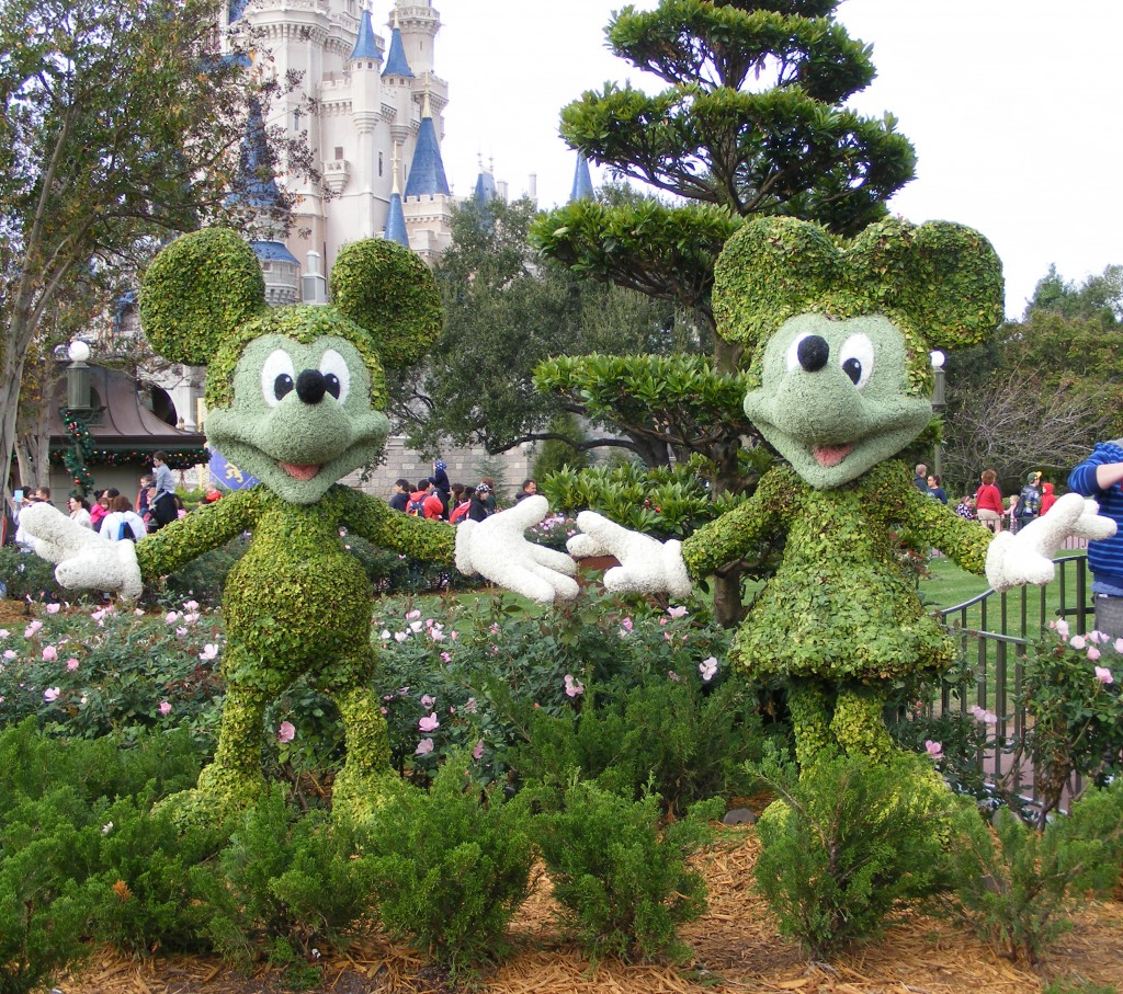 Mickey and Minnie Mouse Topiary