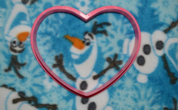 Olaf Fabric www.mouseearsmom.com